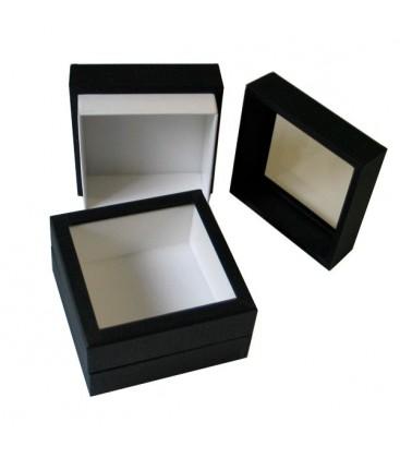 Cette petite boîte se présente sans charnière, elle permet de conserver des papillons, des bijoux etc. Elle se pose sur un