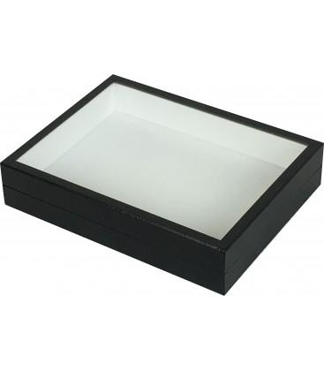Cette boîte vitrée se décline en tous coloris et même en fabrication Muséum. Cela ne vous aura pas échappé qu'elle fait la